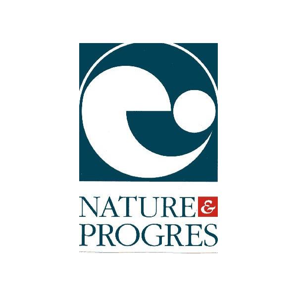 Logo Nature et Progrès pour le shampooing Anti-pelliculaire Cade Sauge Rhassoul – 250ml – Cosmo Naturel