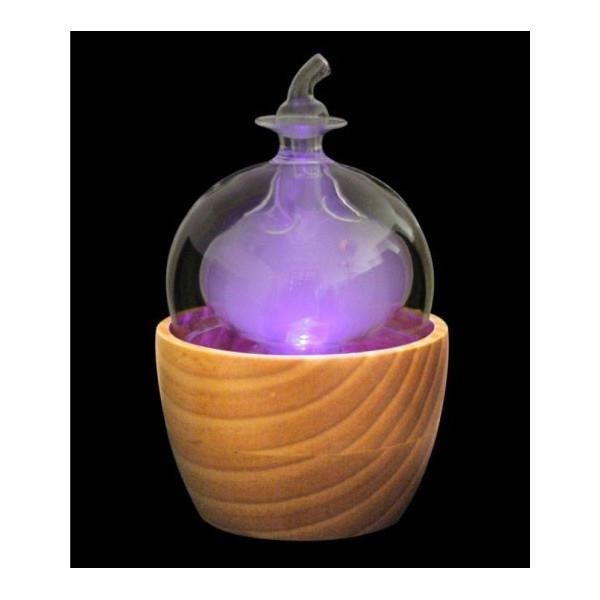 Diffuseur brumisateur Zenea en fonctionnement - Couleur violette