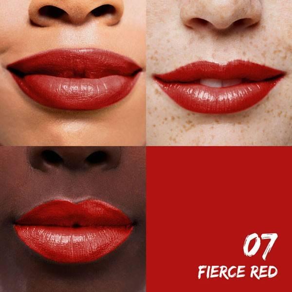 Exemple application pour le rouge à lèvres hydratant 07 Fierce Red  Santé