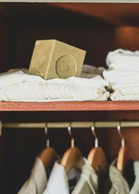 Le savon de Marseille contre les mites des vêtements