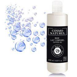 Utiliser la base lait corporel Cosmo Naturel et personnalisée là avec des huiles essentielles