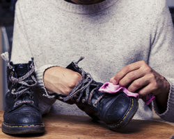 Cirage de chaussures en cuir