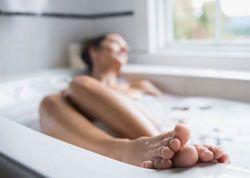 Prendre un bain chaud avec du bicarbonate de soude